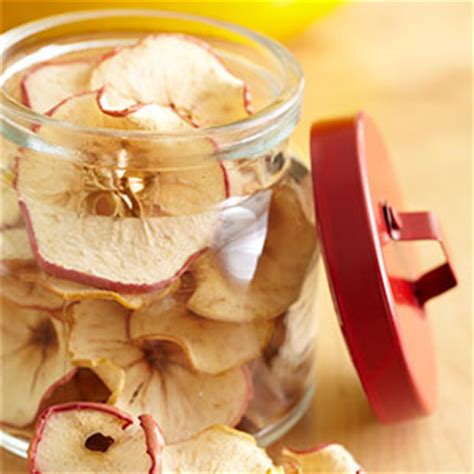 7 Neat Ways To Cook Without A Stove by How To Make Dried Apples And Apple Chips In The Oven