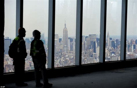 How Many Floors Was The World Trade Center by One World Trade Center Becomes New York S Tallest