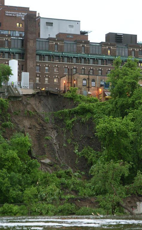 Riverside Hospital Detox Minneapolis by Minneapolis Mudslide Shuts Parkway Hospital