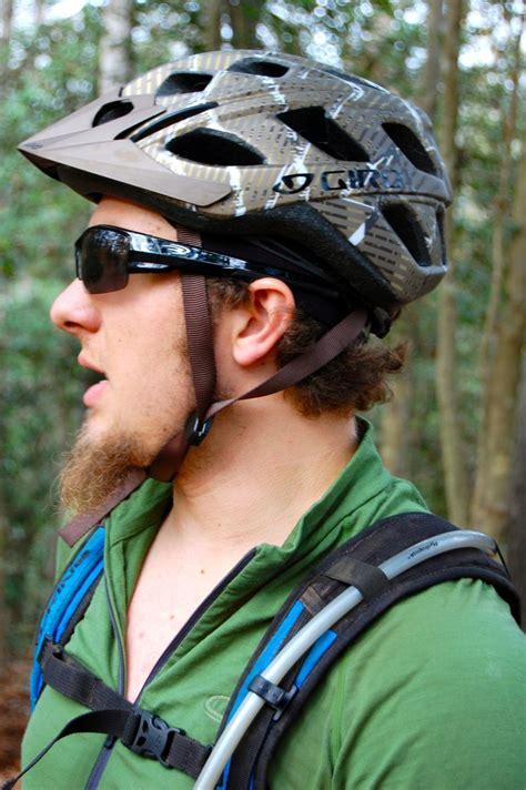 Kaos Bikers Helm giro hex singletracks mountain bike news