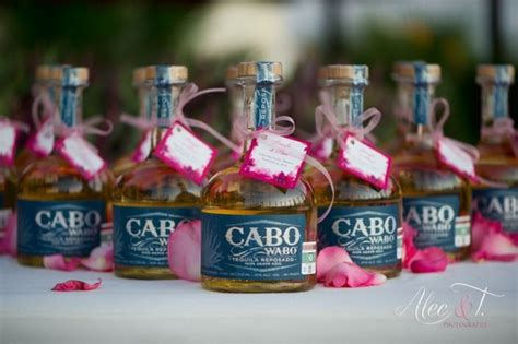 Wedding Favors For Destination Weddings by Thank Your Guests For Traveling With These Destination