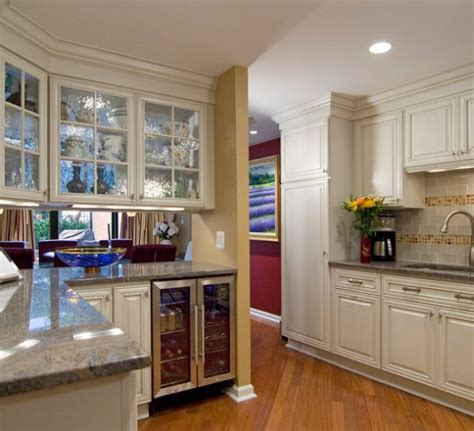 28 kitchen cabinet ideas with glass doors for a sparkling 28 kitchen cabinet ideas with glass doors for a sparkling
