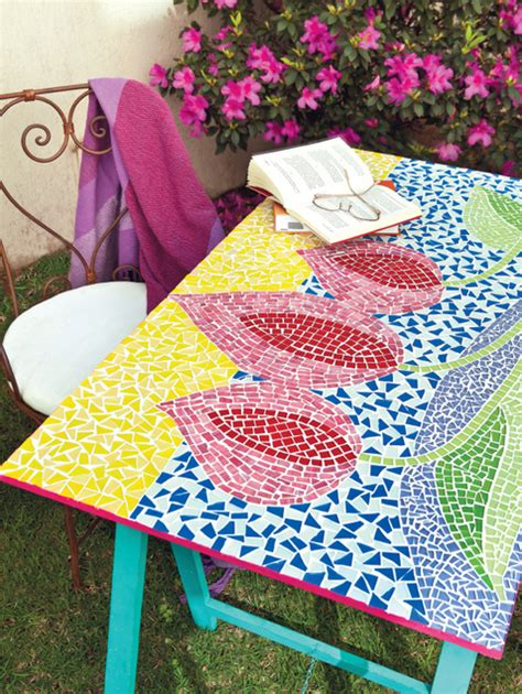 mosaic decorations for the home from trash to treasure 8 diy craft projects with broken china