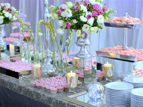 wedding buffet ideas using flowers for buffet table