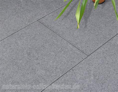 Terrassenplatten Aus Granit by Terrassenplatten Rechner Naturstein Kaufen De