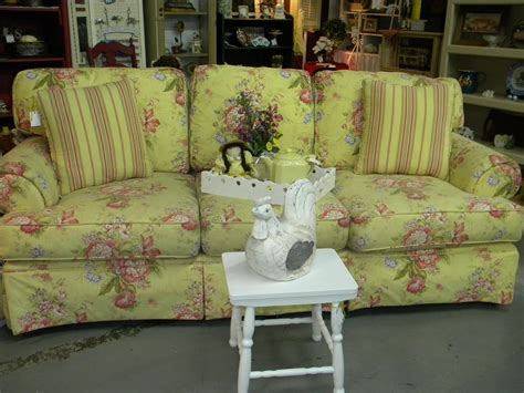 country cottage sofa clutter bugs boutique is it shabby chic or country cottage