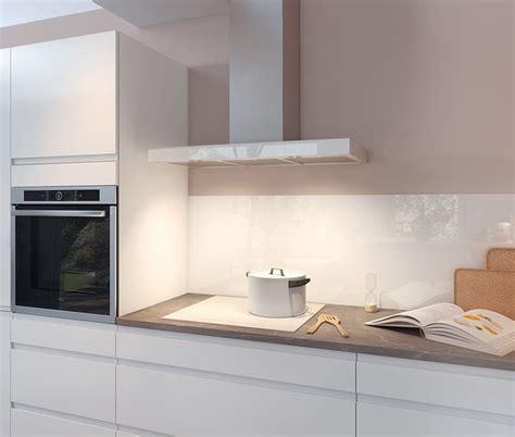 cuisine blanche laqu馥 sans poign馥s cuisine blanche sans poignee modele cuisine noir et blanc