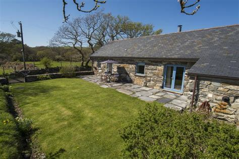 Cottages Criccieth by Self Catering Accommodation In Criccieth Hebog Bach