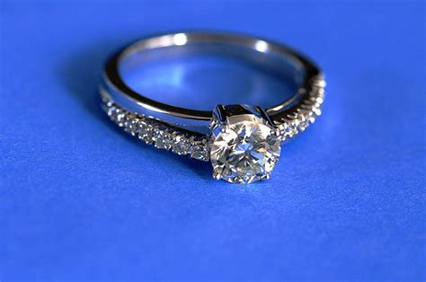 the gallery for gt platinum ring price in tanishq