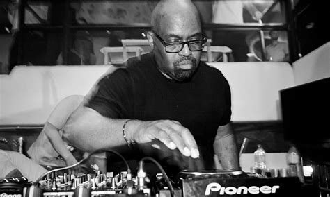 Frankie Knuckles Godfather Of House Music Priest Of The Dancefloor Music The