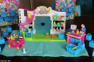 To the shopkins store here you can buy fun stuff for your shopkin
