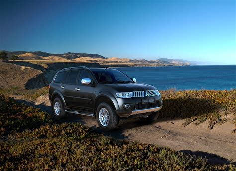 mitsubishi pajero sport 2014 2014 mitsubishi pajero sport review prices specs