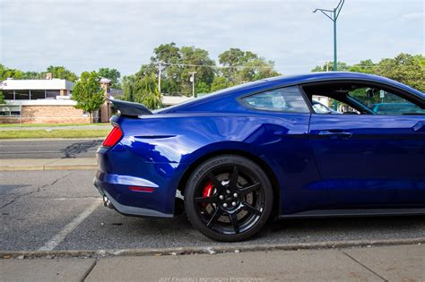 pics of the 2015 mustang this is the 2015 shelby mustang gt350r in impact blue
