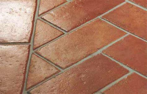pulire pavimenti in cotto l eco di san gabriele pulire pavimento in cotto