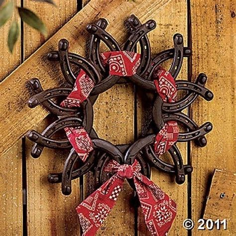 western craft projects horseshoe wreath 37 horseshoe crafts to try your luck