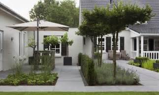 Tuin Met Meerdere Terrassen