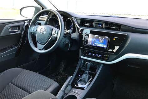 toyota corolla 2017 interior this 2017 toyota corolla im is the best corolla so why do