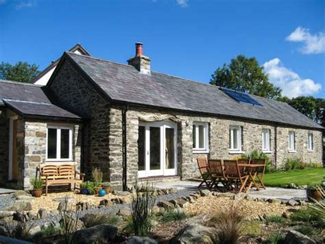 Cottages Friendly by Cwt Mochyn Mid Wales Can Travel Pet Friendly