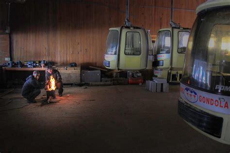 gulmarg gondola in january 2015 youtube news gulmarg gondola to get new cabins