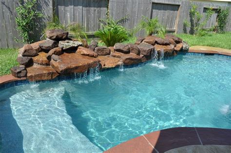 small pools and spas 1000 images about small inground pool spa ideas on