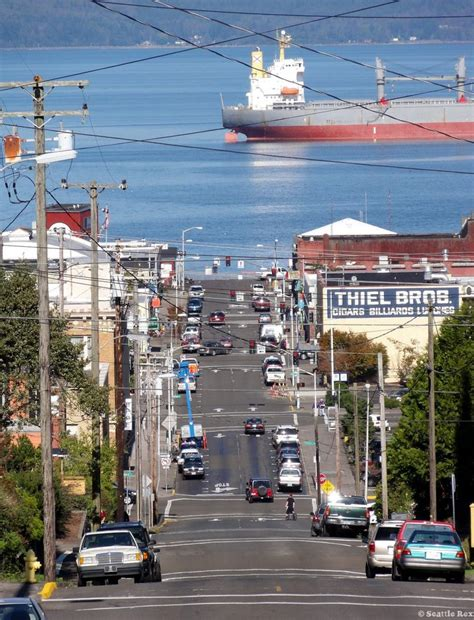 astoria oregon overlooks the columbia river on its last