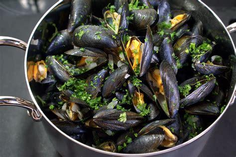 cuisiner des moules moules marini 232 res recette des moules 224 la marini 232 re et