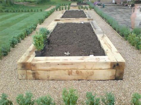 Sleeper Vegetable Garden by The 25 Best Images About Sleepers Retaining Wall On