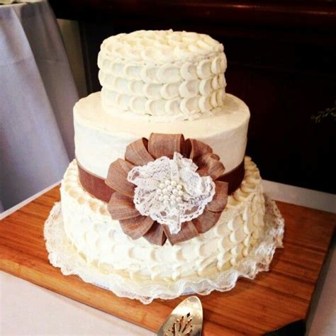 What Is The Best Buttercream Icing For Cake Decorating by Wedding Cake Buttercream Icing Petal Technique With