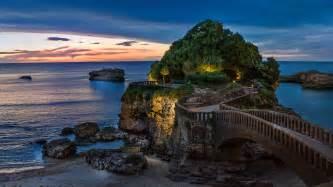rocher de la vierge in biarritz pyr 233 n 233 es atlantiques