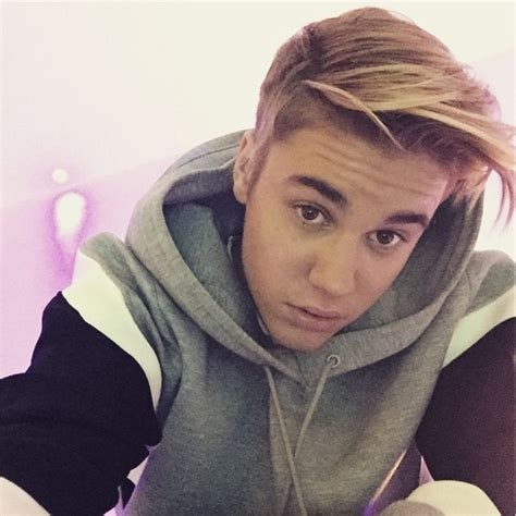 Justin Bieber New Hairstyle by Justin Bieber Has New Hairstyle And Selena Gomez For