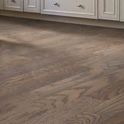 shaw floors prestige 4 13 16 quot engineered quot click locking quot oak hardwood flooring in weathered