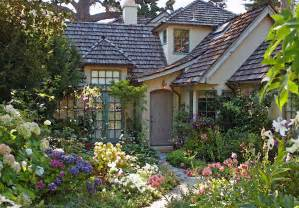 the cottage garden at 5 casanova st