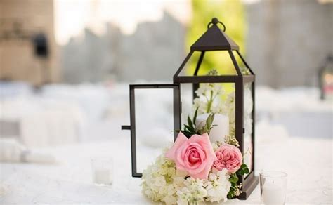wedding centerpieces with flowers and lanterns lantern centerpieces table decoration ideas