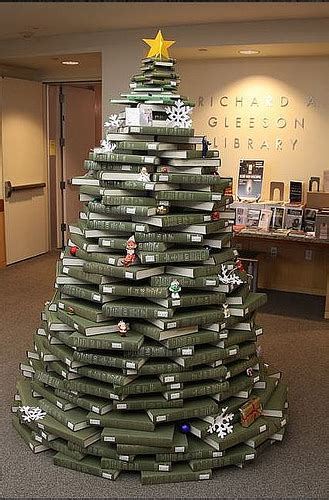 recycled content or live christmas tree alternatives for