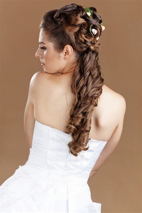 bridal hairstyles ponytail the ponytail for your wedding hairstyle why not bride