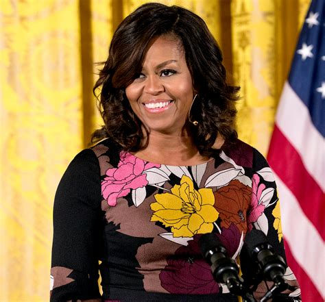 how foes michelle obama get straight hair michelle obama debuts new hairstyle pics
