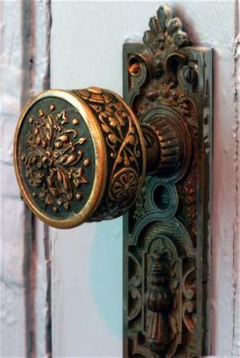 antique doorknob identification