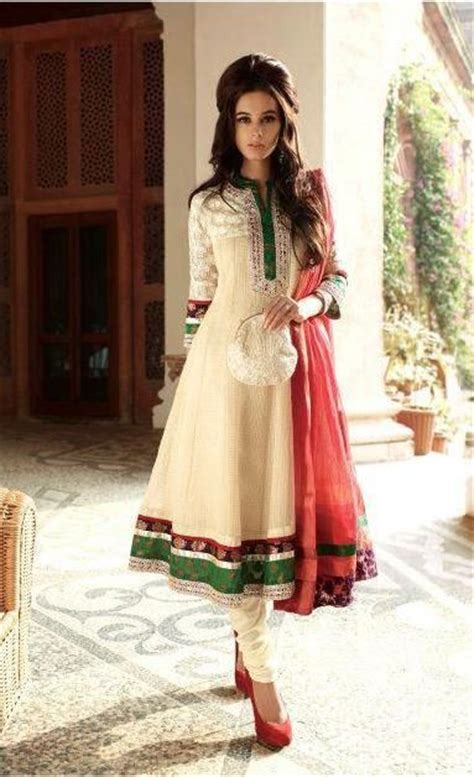 dupatta draping styles for salwar kameez 10 new dupatta draping styles for salwar suit lehenga