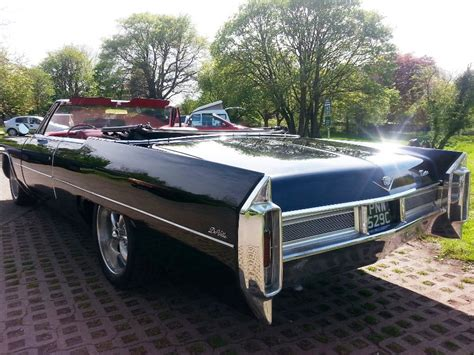Wedding Car Newport by Cadillac Convertible Cadillac Wedding Car In Newport Gwent