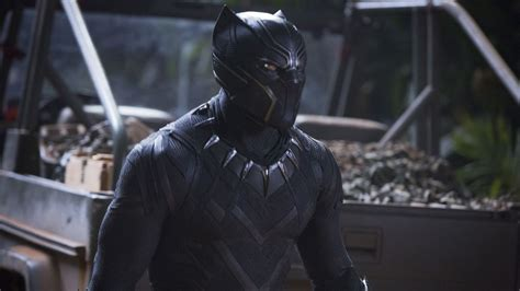 jual wallpaper batman black panther has solid debut in china on its way to 1