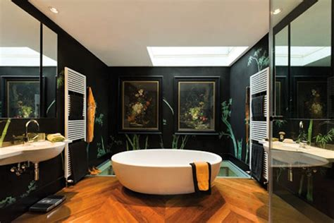 bathroom of the week in london a dramatic turkish marble de gournay at home in new york
