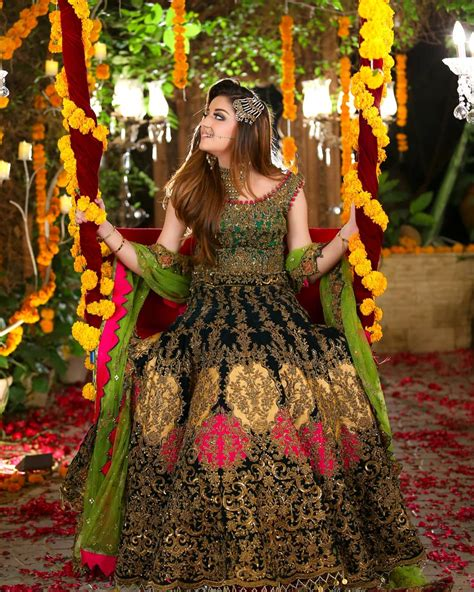 beautiful bridal photoshoot  alizeh shah  kashees pakistani drama celebrities