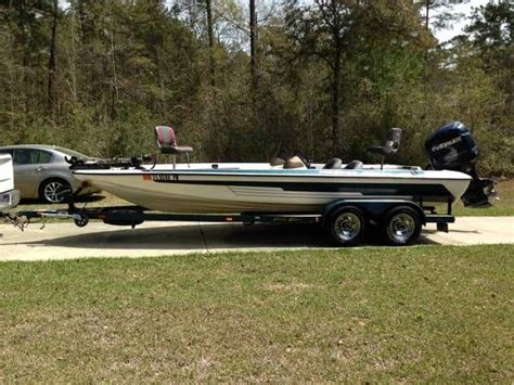 pro gator boats 2004 used moores pro gator 200 v bass boat for sale
