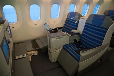Polish Home Decor in flight review lot polish 787 elite club business