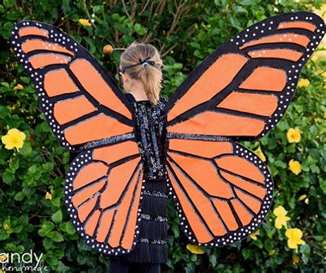 como hacer unas alas con bolsas de basura o carton de pajaro como hacer disfraces de mariposa imagui