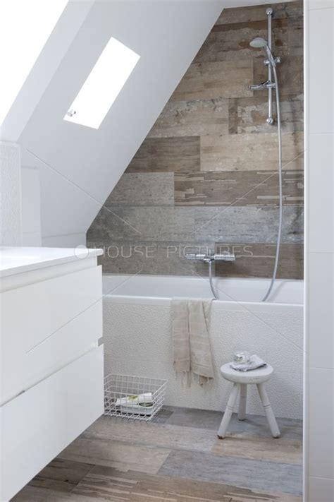attic bathroom sloped ceiling 25 best ideas about loft bathroom on pinterest small