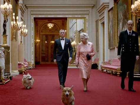 how many corgis does the queen have queen elizabeth corgis www pixshark com images