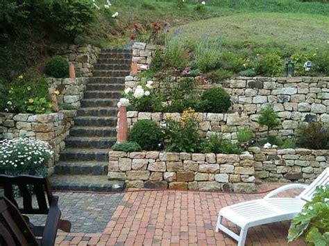 trockenmauer bauen ohne fundament trockenmauer selber bauen