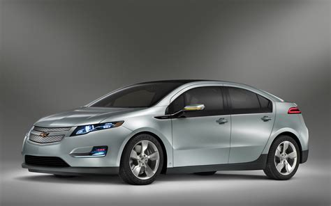 gm chevy volt electric car 2011