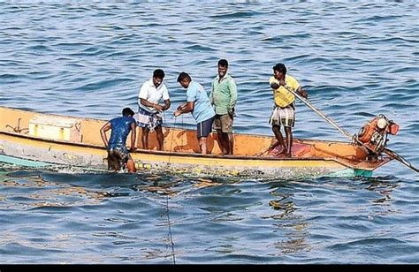 kerala fishing boat operators association increase in licence fee boat owners approach cm the new